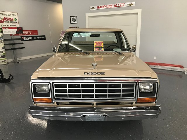 1984 Dodge Ram 100 Short Bed